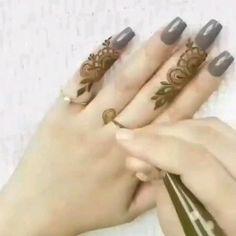 Simple Mehndi Designs Fingers, Finger Mehendi Designs, Modern Henna Designs, Latest Arabic Mehndi Designs, Engagement Mehndi Designs, Basic Mehndi Designs, Beginner Henna Designs, Mehndi Designs For Girls, Henna Art Designs