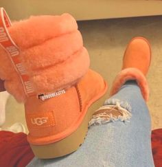 Dr Shoes, Hype Shoes, Crazy Shoes, Me Too Shoes, Sneakers Mode, Sneakers Fashion, Fashion Outfits, Dress And Sneakers Outfit, Ugg Boots Outfit