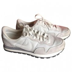 AIR PEGASUS SNEAKERS NIKE ❤ liked on Polyvore featuring shoes, sneakers, nike footwear, leather trainers, genuine leather shoes, real leather shoes and gray sneakers