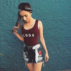 ↪alerta trend!! 💠Várias maneiras de usar bandanas uma mais linda que a outra 😱😍 #Bandananocabelo☆ #bandananoshort♡ @ziann_jeans