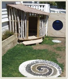 "Neat playhouse: use of free materials + ""open"" walls helps with safety"