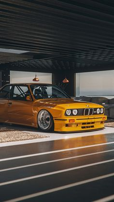 Dhoni Wallpapers, Bmw Wallpapers, Jdm Wallpaper, Mobile Wallpaper, Bmw E30 M3, Bmw Classic Cars, Yellow Car, Bmw 2002, Street Racing