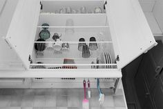 Kitchen organization 34 Ideas For Kitchen Sink Drying Rack Apartment Therapy Hig Kitchen Dishes, Kitchen Sink, Kitchen Cabinets, Space Kitchen, Narrow Kitchen, Kitchen Small, Small Kitchens, Drying Cupboard, Kitchen Drying Rack