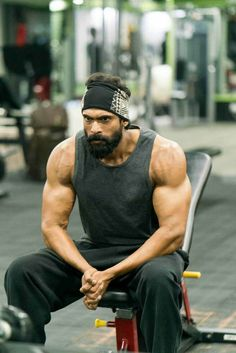 When it relates to straightforward fitness exercises, you don't actually have to go to the gym to achieve the full effects of performing exercises. It is easy to tone, shape, and revitalize your body in a few easy steps. A good workout routine. Prabhas Pics, Hd Photos, Travis Fimmel, Celebrity Workout, Celebrity Fitness, Rana Daggubati, Gym Boy, Gym Outfit Men, Galaxy Pictures