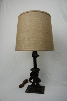 Coche gato lámpara de hierro fundido