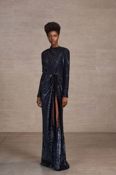 See the complete Prabal Gurung Pre-Fall 2018 collection.