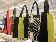 Kaarisillan käsityö: Kaitalekasseja Diy Crafts For School, Sewing Projects, Arts And Crafts, Reusable Tote Bags, Textiles, Kids, Fashion, Scrappy Quilts, Craft