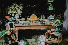 Decoração de casamento rústico noite, mesa do bolo DIY
