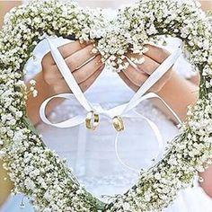 """""""Meninas, olhem que idéia linda para levar as alianças . O que acham? #inspiracao #portaaliança #lindo #queroomeuassim #amei #casamento #meucasamento"""""""