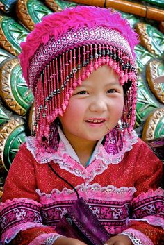 Traditional Thai Child ... <3 the hat!  :*)