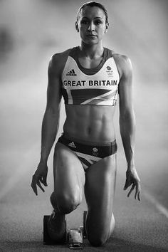 One of Great Britain's best hopes for capturing a gold medal, 26 year old Jessica Ennis met all expectations with a gold in the Women's Heptathlon on Day 8 of the Olympics. Team Gb Olympics, Ennis Hill, Vaquera Sexy, Jessica Ennis, Heptathlon, Beautiful Athletes, Workout Regimen, Sporty Girls, Sports Stars
