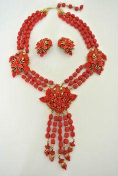 Vintage Stanley Hagler Lucite Coral Pendant Beaded Necklace Set