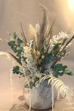 Dry Flowers, Real Flowers, Bouquets, Wedding Flowers, Glass Vase, Green, Plants, Flower Preservation, Funeral Flowers