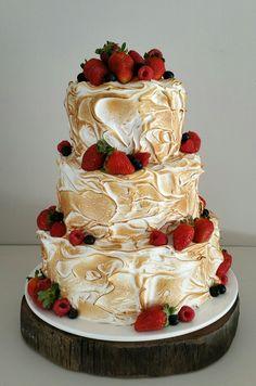 Meringue Wedding Cake by Unreal Wedding Cakes.