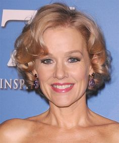 Penelope Ann Miller Short Wavy Formal Layered Bob Hairstyle Golden Blonde Hair - All For Hair Cutes Layered Bob Hairstyles, Short Hairstyles For Women, Easy Hairstyles, Hairstyle Short, Blonde Hairstyles, Sean Penn, Golden Blonde Hair, Blonde Bobs, Charlize Theron