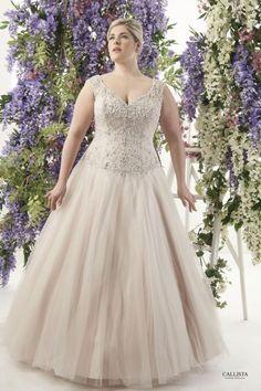 Seville | Callista Plus Size Wedding Dresses: Prinzessin & Ball Gown Silhouettes I   Plus Size Brautmode & XXL Brautkleider in Übergröße bei Vollkommen.Braut. - The Curvy Bridal Concept Store Hamburg