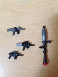 Lego smg and R Lego Duplo, Lego Ninjago, Robot Lego, Lego Ww2, Lego Design, Legos, Pokemon Lego, Lego Guns, Micro Lego