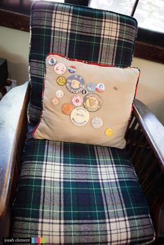 plaid chair, pillow with patches Vintage Cabin, Vintage Rv, Lake Cabins, Cabins And Cottages, Camping Theme, Go Camping, Chair Pillow, Pillows, Plaid Chair