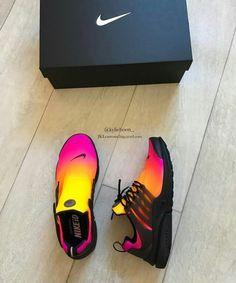 sneakers for women nike Moda Sneakers, Cute Sneakers, Cute Shoes, Me Too Shoes, Shoes Sneakers, Cool Nike Shoes, Sneaker Heels, Girls Sneakers, Trendy Shoes