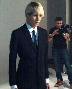 Jeffree Star in a suit <3