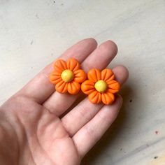 💯% handmade, this cute, flower earrings are made from polymer clay ( fimo ), with bronze or silver. 🥉Bronze is an alloy consisting primarily of copper, commonly with about 12–12.5% tin and often with the addition of other metals. The price includes one pair of earrings. Measure: Diameter: aprox Cute Polymer Clay, Cute Clay, Polymer Clay Flowers, Flower Earrings, Women's Earrings, Flower Stud, Flower Jewelry, Handmade Shop, Handmade Crafts