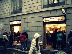 Luini, Milano. Una fermata obbligatoria se sei a piedi vicino al Duomo di Milano.  Una parada obligada si te encuentras caminando cerca del Duomo de Milano.