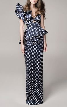 Always love evening dresses that breaks the conventional look, toga with details