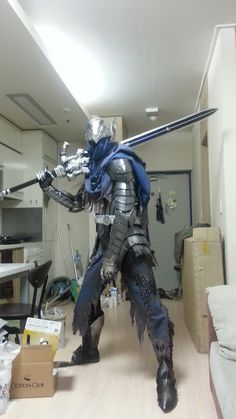 Nailing the perfect cosplay of your favorite character can be tough. But this handy guide will teach you how to build armor that looks just like what Artorias of the Abyss wears in Dark Souls. Dark Souls Armor, Arte Dark Souls, Dark Souls 3, Cosplay Armor, Epic Cosplay, Cosplay Diy, Cosplay Costumes, Cosplay Wings, Dark Souls Artorias
