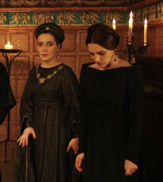 Medici: Masters of Florence The White Princess, White Queen, 15th Century Fashion, Medici Masters Of Florence, Reign Dresses, A Dance With Dragons, Long Shadow, Star Shoes, Medieval Fashion