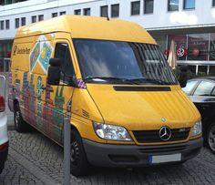 Mercedes-Benz 313 in der Prager Straße in Dresden