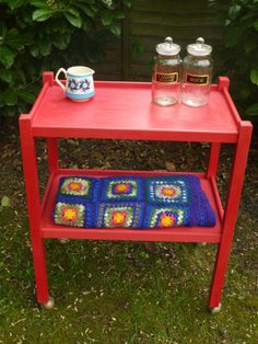 Add a pop of red to your kitchen with this tea trolley. Or use it in a child's bedroom or playroom!