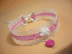 Romantic Lolita Lace Choker, Candy Necklace with Pink Heart Pendant, Flowered Neck Piece, Kawaii, Kitsch, Cosplay