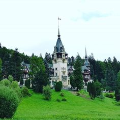 Peleș #Castle. #castillo #Romania Home Fashion, Romania, Castle, Mansions, House Styles, Instagram, Home Decor, Decoration Home, Room Decor
