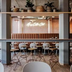 Bistro Design, Coffee Bar Design, Coffee Shops, Coffee Shop Bar, Coffee Club, Cafeteria Vintage, Vintage Cafe Design, Cafe Bistro, Cafe Bar