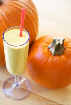 Clean Eating Pumpkin Pie Oatmeal Smoothie. Enjoy autumn in a glass! Brought to you by cookbook author, Tiffany McCauley of TheGraciousPantry.com.