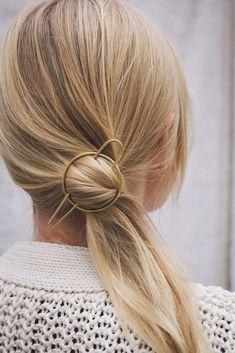Bredygtigt Hrspnde | 100 % Upcycled | Kb her RUEBIRCH.DK Elastic Hair Ties, Fine Hair, Hair Pins, Upcycle, Hair Accessories, Messing, Medium, Inspiration, Velvet