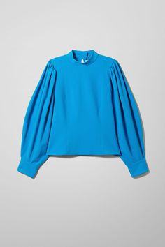 Micah Blouse - 45€ #theradicalblog #winteroutfits #weekday #accessories Blue Blouse, Fashion Brand, Shirt Blouses, Winter Outfits, Bell Sleeve Top, Street Style, Man Shop, How To Wear, Puff Sleeves