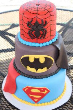 Superhero cake design that my boys would love! Superhero Cake, Superhero Birthday Party, Birthday Parties, Birthday Ideas, Birthday Cakes, Cake Spiderman, 4th Birthday, Batman Cakes, Marvel Birthday Cake
