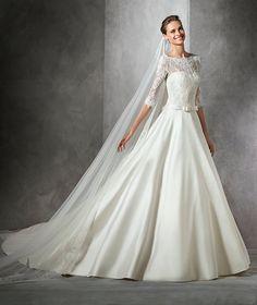 TORICELA - Princess wedding dress with bateau neckline