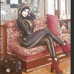 Hijab Teen, Arab Girls Hijab, Beautiful Arab Women, Beautiful Hijab, Muslim Women Fashion, Curvy Women Fashion, Muslim Beauty, Hijab Fashionista, Pretty Prom Dresses