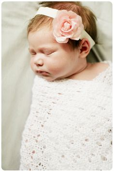 How to DIY a Newborn Photoshoot | Hellobee