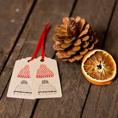 Hats off to these Christmas gift tags by sophiavictoriajoy on Etsy, £1.95
