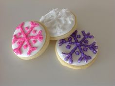 snowflake cookies for 'Frozen' themed birthday party