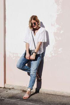 tifmys – Shirt: Zara | Jeans: H&M | Sunnies: Ray Ban | Watch: Larsson & Jennings | Sandals: Asos | Bag: Céline Trio