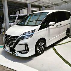 いいね!193件、コメント8件 ― Tetsuro.Hirami(@teeecchan)のInstagramアカウント: 「新しく家族に仲間入りしました。 もう5台目ですがこの車は子どもが大きくなるまで大事に乗ります! トランポできたのであとは載せるバイク作らないと😂笑  #初めての新車 #新車 #セレナ…」 Nissan, Japan, Vehicles, Instagram, Japanese Dishes, Rolling Stock, Japanese, Vehicle, Tools