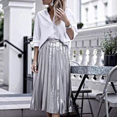 ΜΟΔΑ | STREET STYLE 15 τρόποι να συνδυάσετε την πλισέ φούστα #StreetStyle @isabelselles