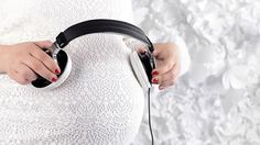 Le Dr Moritz et Spotify ont mis au point la playlist « idéale » à écouter en boucle pendant votre accouchement ! Découvrez ces quelques sons qui vous accompagneront au moment de la naissance.