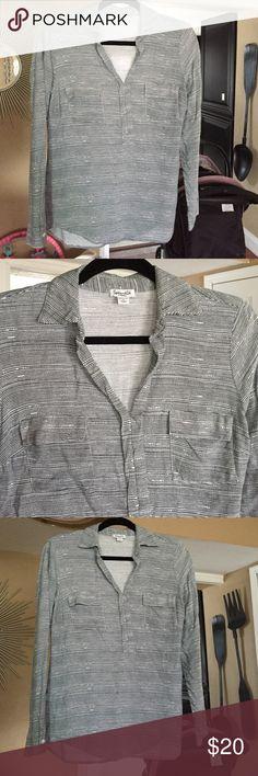 Splendid lightweight blouse ✨ Splendid lightweight 100% rayon blouse with blue stripes on white XS Splendid Tops Blouses