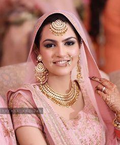 Pinterest: @pkaursekhon Punjabi Wedding Suit, Punjabi Bride, Pakistani Bridal, Punjabi Suits, Indian Bridal Outfits, Bridal Wedding Dresses, Bridal Style, Wedding Suits, Indian Dress Up