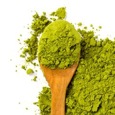 For all you tea drinkers out there, we've got some exciting news! Matcha, a finely milled green [. Matcha Benefits, Health Benefits, Green Tea Powder, Skinny Mom, No Calorie Snacks, Matcha Green Tea, Tea Recipes, Healthy Alternatives, Nutrition Tips